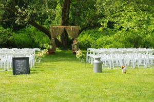 outdoorWeddingSeating